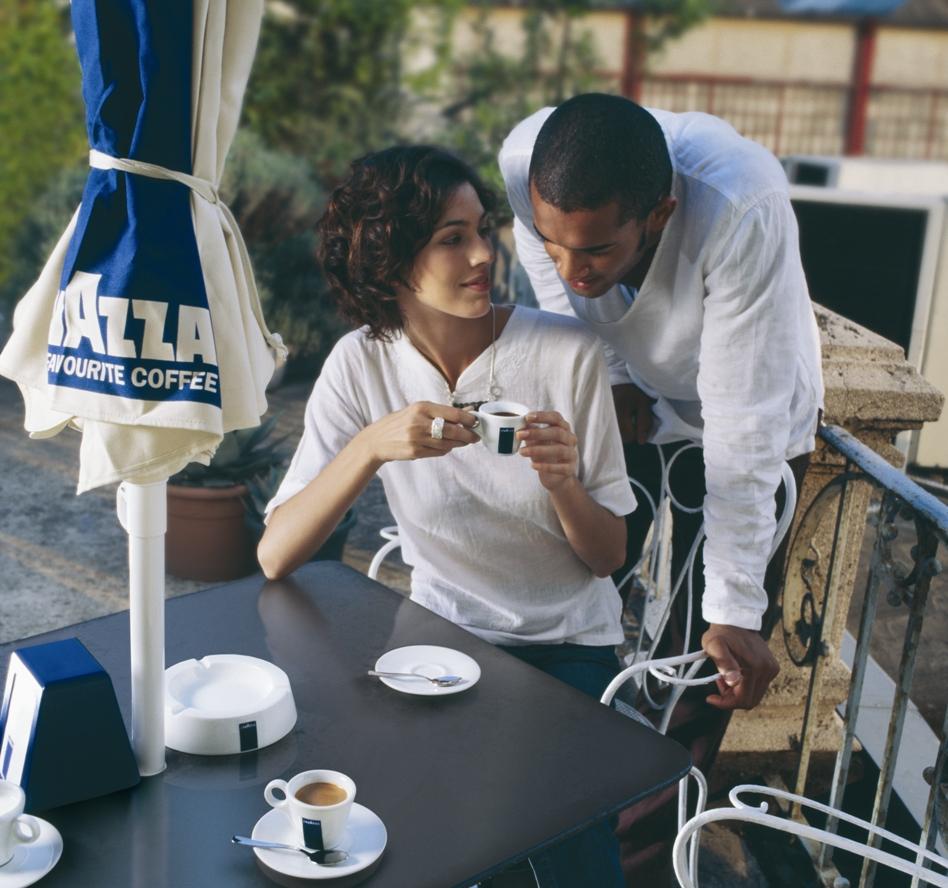 Kaffee-Frau-Mann